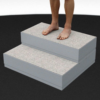 Porealtaan portaat raput. Leveys 81 cm, korkeus 33,5 cm. Ylin askelma 81 x 40 cm, alempi askelma 81 x 30 cm.